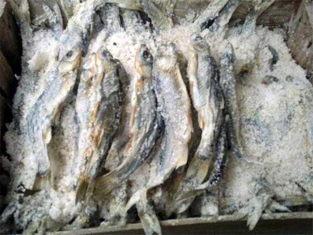 Alabalık tuzlu: tarifi